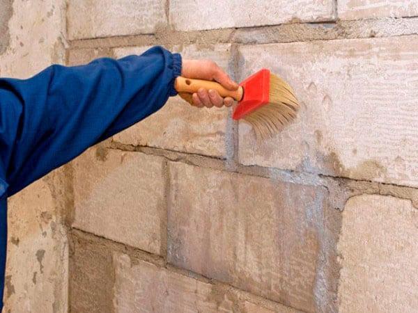 Грунтование наружных стен