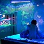 Флуоресцентная краска для стен