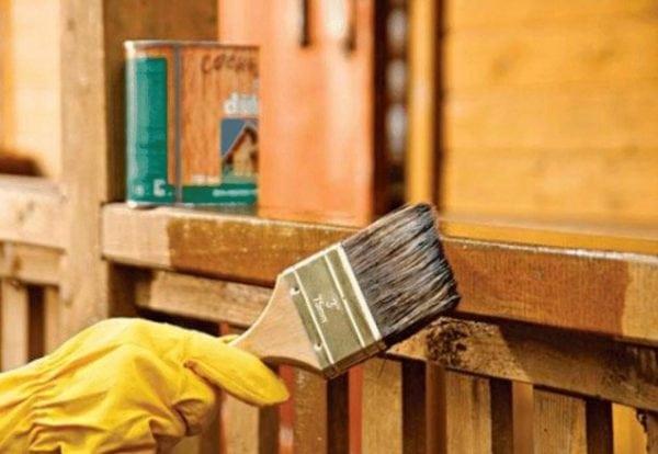 Покраска деревянной поверхности лаком