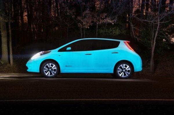 Авто светится в темное время суток