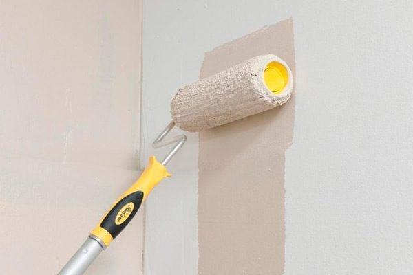 Валик для нанесения краски на стены