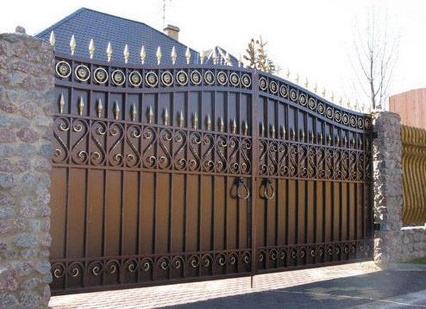 Покраска металлических ворот