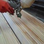 Красим деревянные предметы