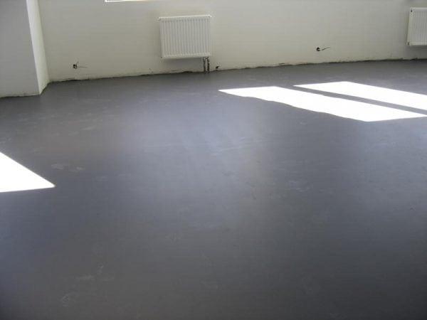 Ровный бетонный пол