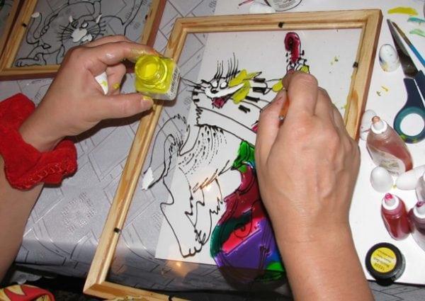 Нанесение акриловой краски на стекло