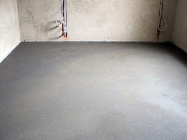 Цементная стяжка поможет сделать наливной пол более качественнее