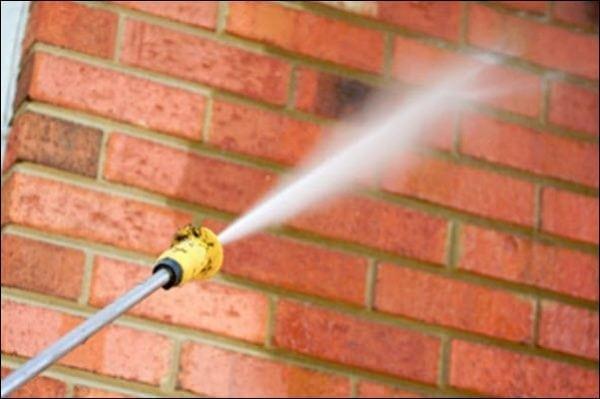 Очистка кирпича струей воды