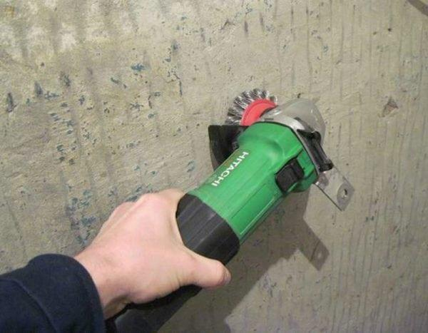 Механический метод удаления краски с бетона