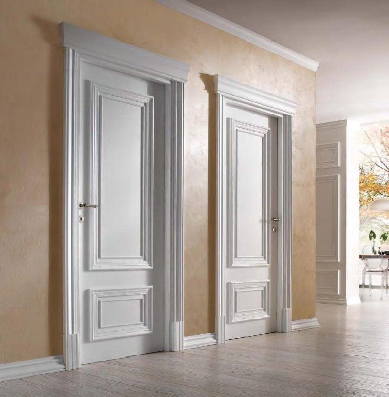 Классические белые двери в интерьере фото