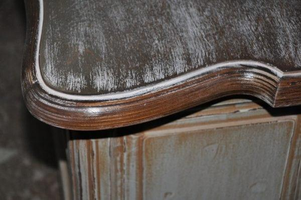 Состаривание деревянной мебели