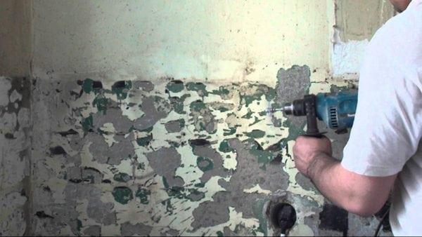 Удаление краски при помощи дрели