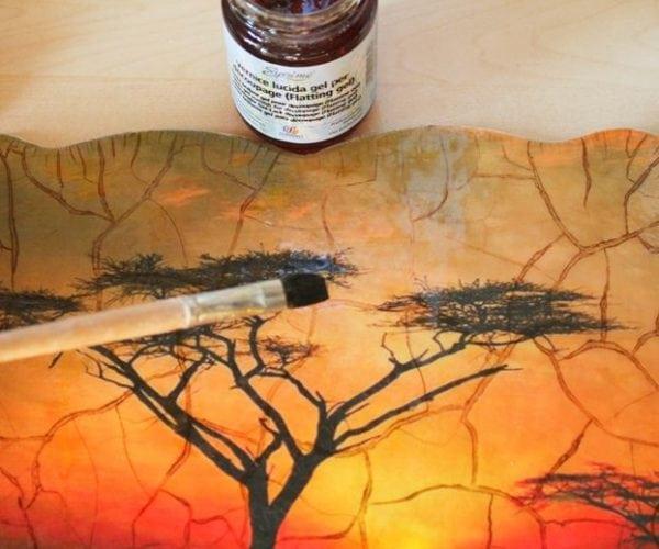 Закрепление краски на стекле лаком
