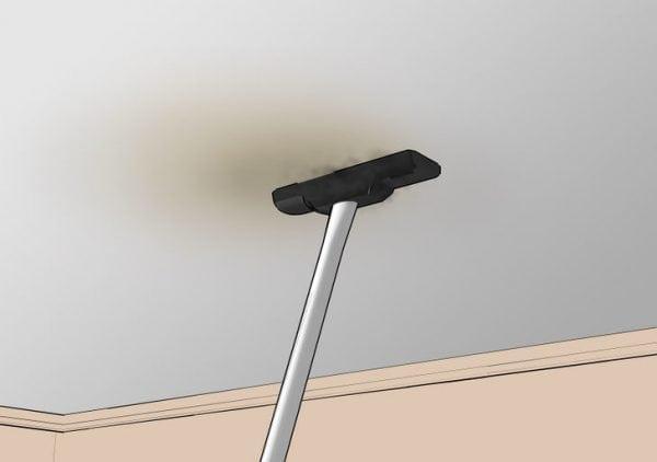 Снятие серого налета с потолка пылесосом