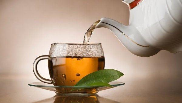 Заварка чая для создания коричневого оттенка