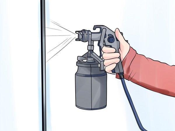 Обработка поверхности лаком с помощью пульверизатора