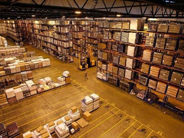 Хранение ЛКМ на складах