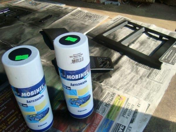 Аэрозольная краска для пластикового подоконника