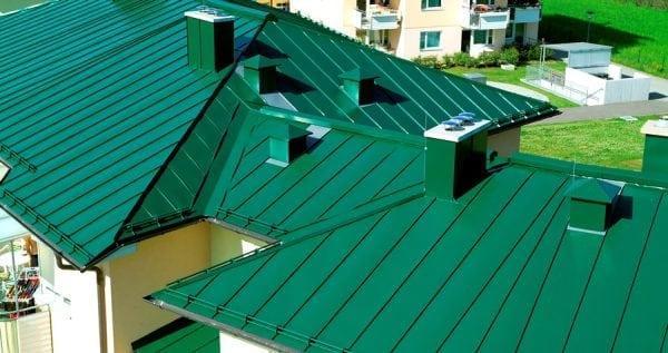 Оцинкованная крыша, окрашенная своими руками