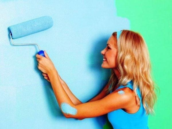Покраска стен акриловой краской