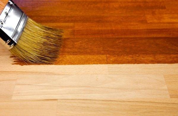 Покрытие деревянных стен лаком