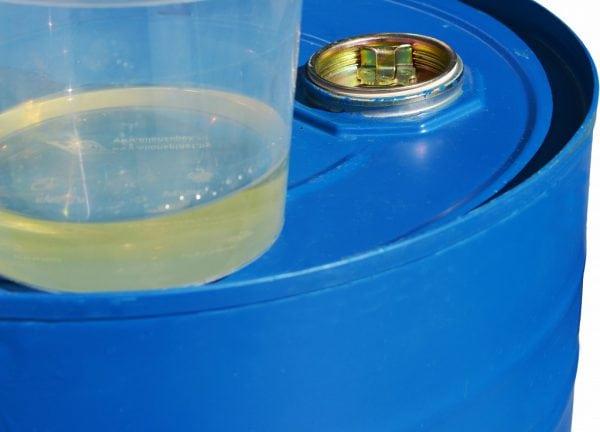 Лак ФЛ-98 поставляется в барабанах по 20 кг