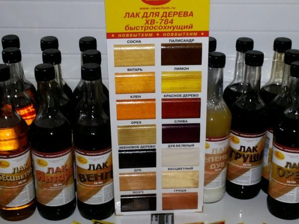 Лак для дерева в бутылках по 0,5 л
