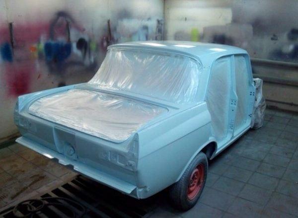 Эмаль МЛ-1110 используется для покраски кузова и деталей автомобиля