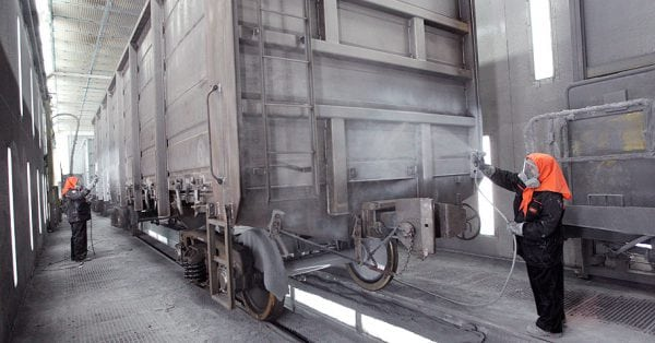 Использование лака ХС-76 для защиты грузовых вагонов
