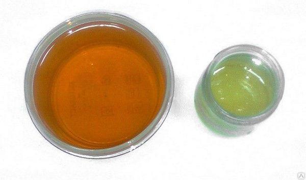Правильно приготовленный лак УР-231 отличается однородностью и прозрачностью