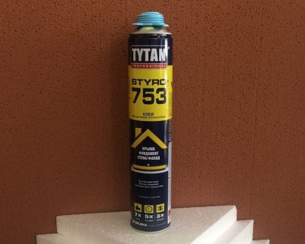 Клей-пена полиуретановая Titan Styro