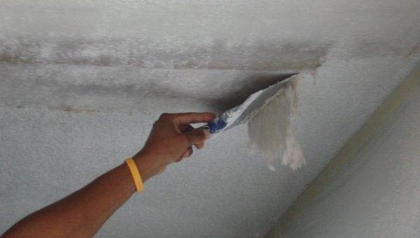 Подготовка потолка под наклейку плитки
