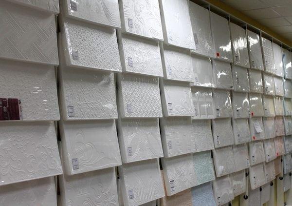 Виды потолочной плитки
