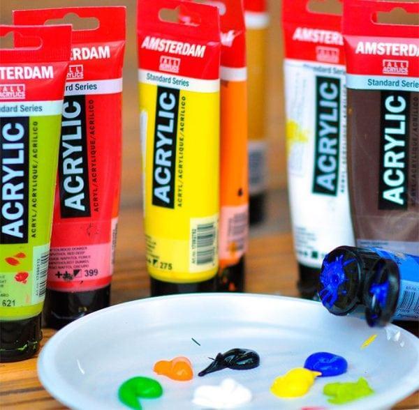 Водоразбавляемые краски для художников