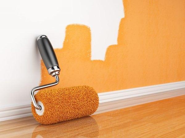 Красим стены в оранжевый цвет