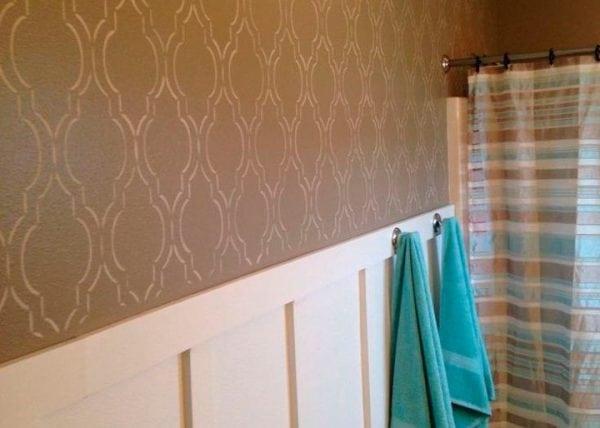 Трафаретная роспись стен в ванной