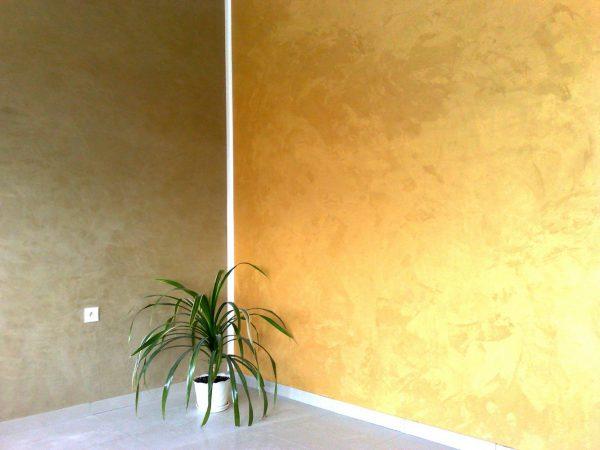 Стены покрытые краской с эффектом шелка