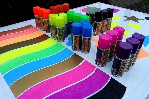 Аэрозольные акриловые краски для оформления стен