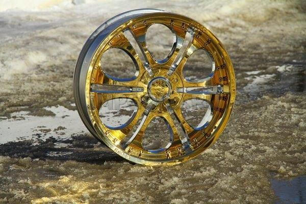 Автомобильный диск после гальванического покрытия