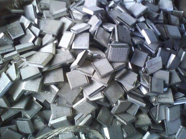 Кусочки никеля