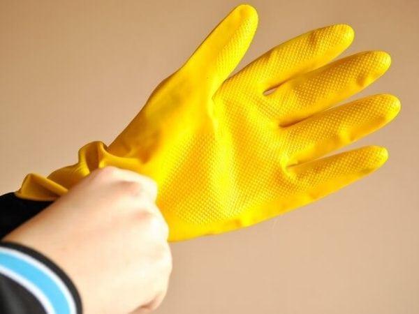 Резиновые перчатки для работы