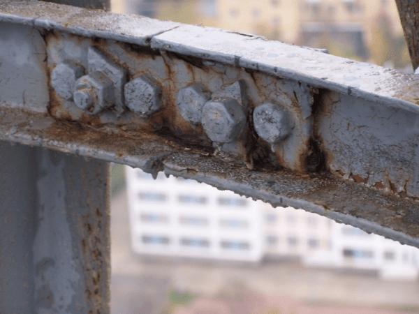 Щелевая коррозия в соединениях металлических конструкций