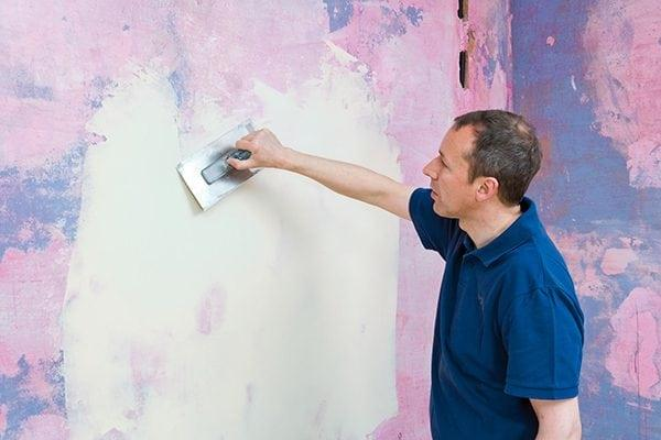Нанесение грунтовки на краску