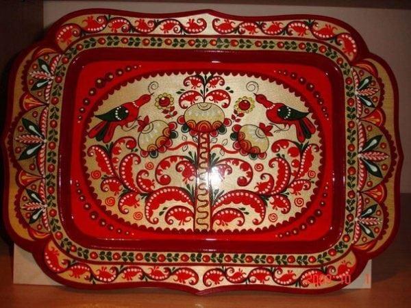Роспись на деревянной тарелке