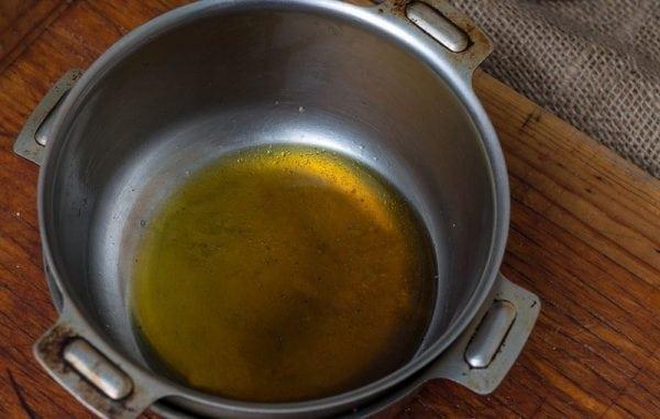 Приготовление олифы из льняного масла