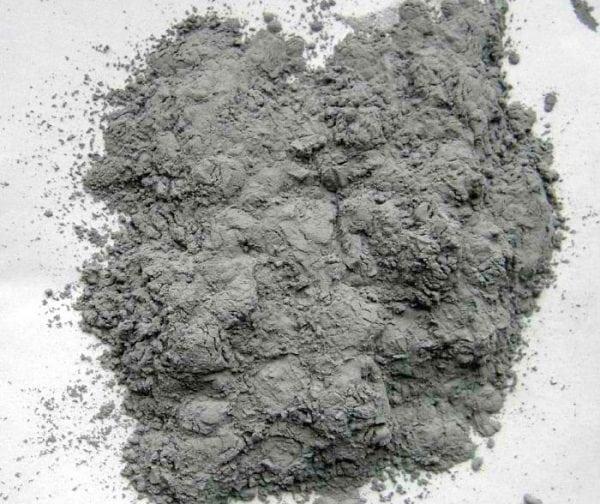 Серебристый порошок алюминия