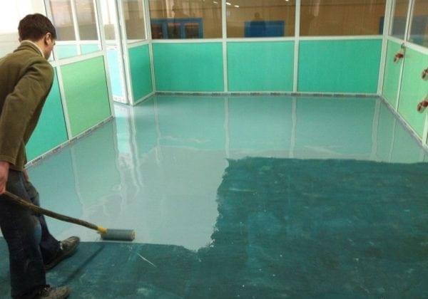 Нанесение полиуретановой краски на поверхность