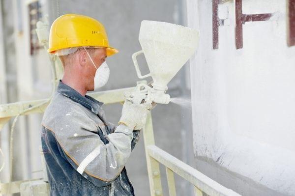 Нанесение теплоизоляционной краски на стену