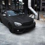 Чёрная матовая краска на автомобиле