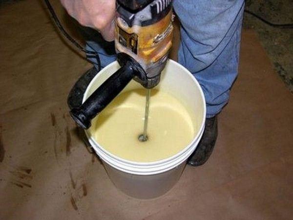Приготовление состава для наливного пола