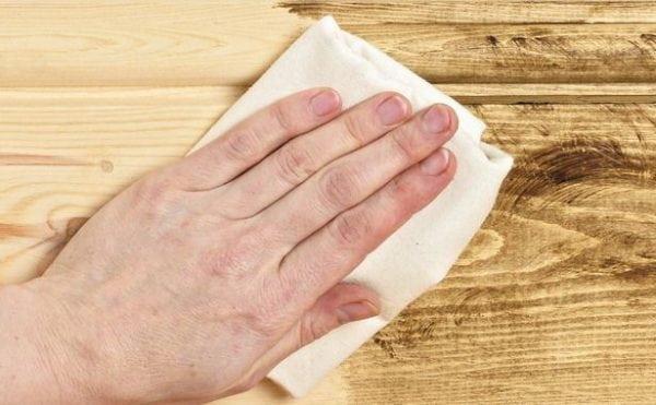 Пропитка деревянной поверхности воском